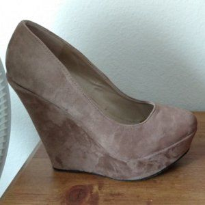 Womens Wedges Size 9